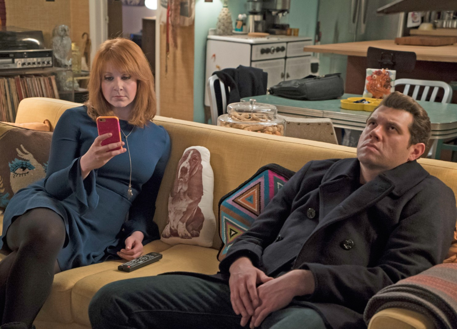 Difficult People: i protagonisti Julie Klausner e Billy Eichner in un'immagine tratta dalla prima stagione