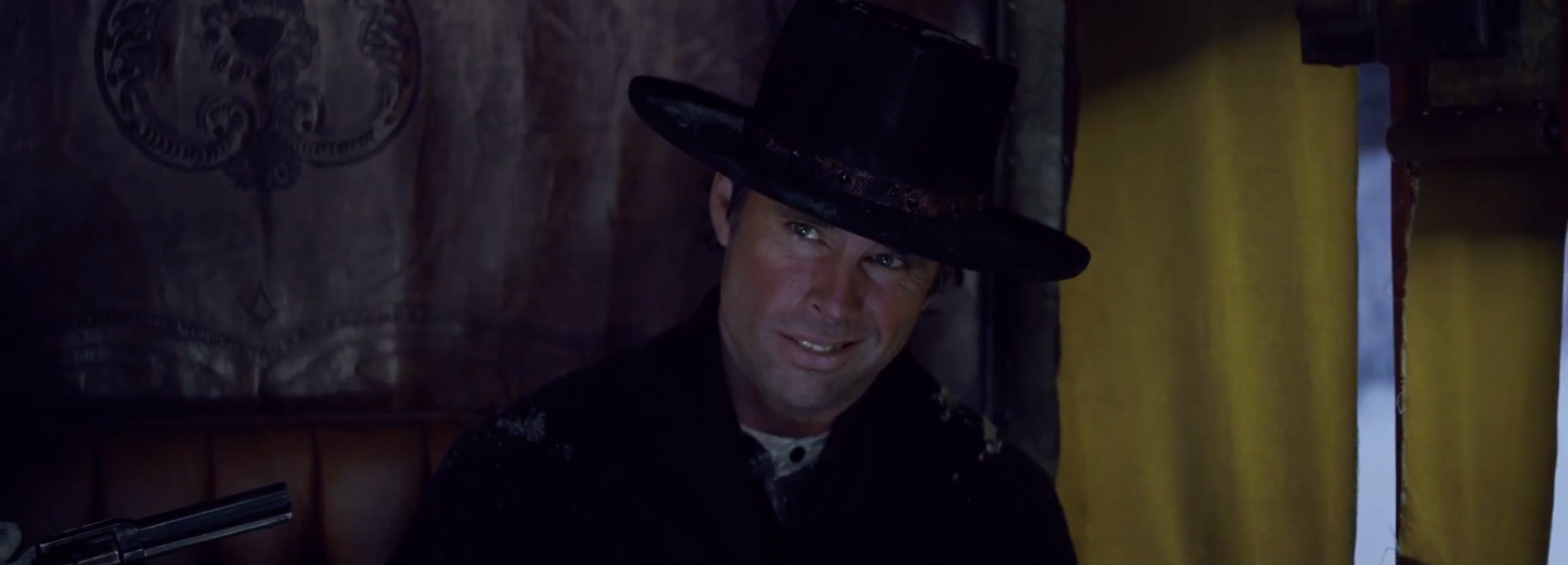 The Hateful Eight: Walton Goggins in una scena del teaser trailer del film di Tarantino