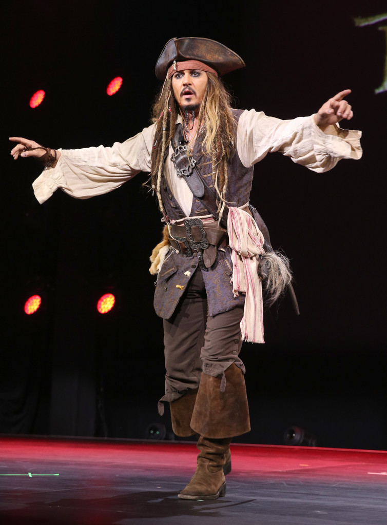 Johnny Depp al D23 nel 2015 per presentare Pirati dei Caraibi 5