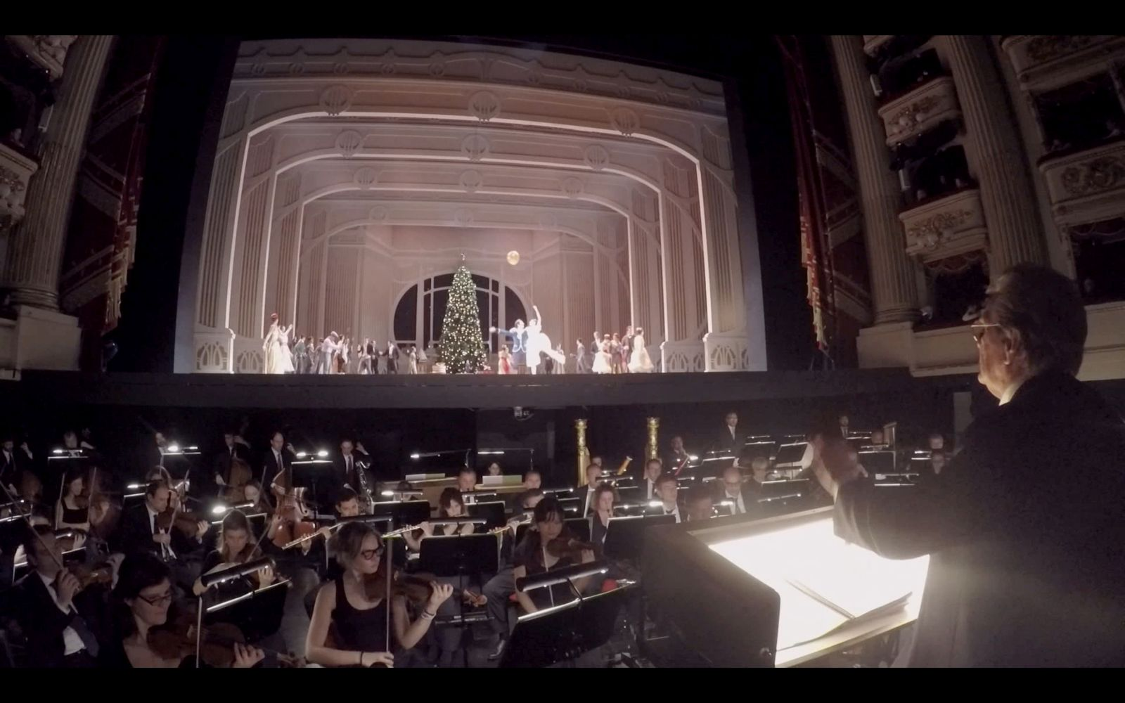 Milano 2015: un'immagine tratta dall'episodio diretto da Roberto Bolle