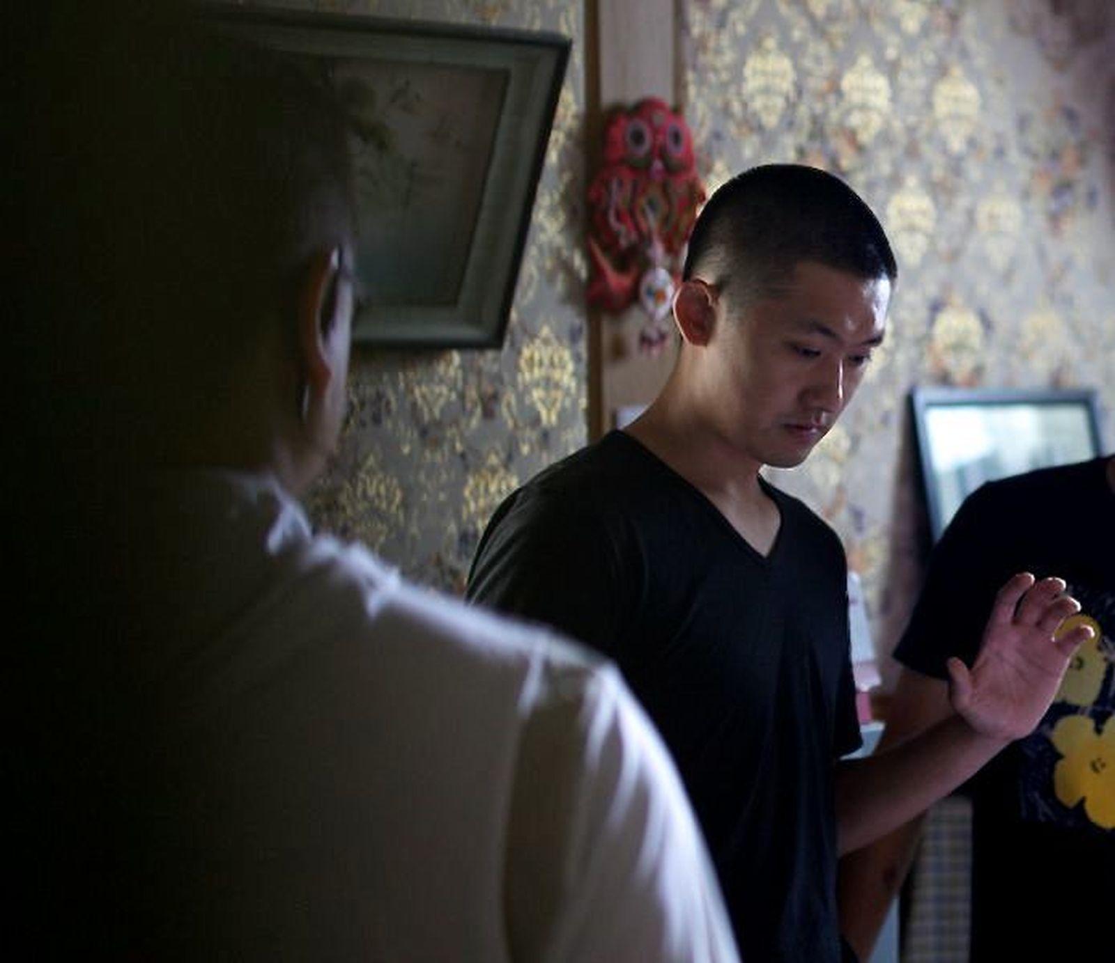 Il cineasta Pengfei sul set di Underground Fragrance