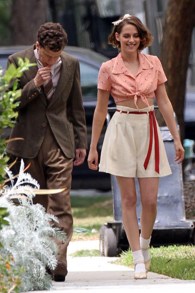 Kristen Stewart e Jesse Eisenberg si aggirano sul set di Beverly Hills