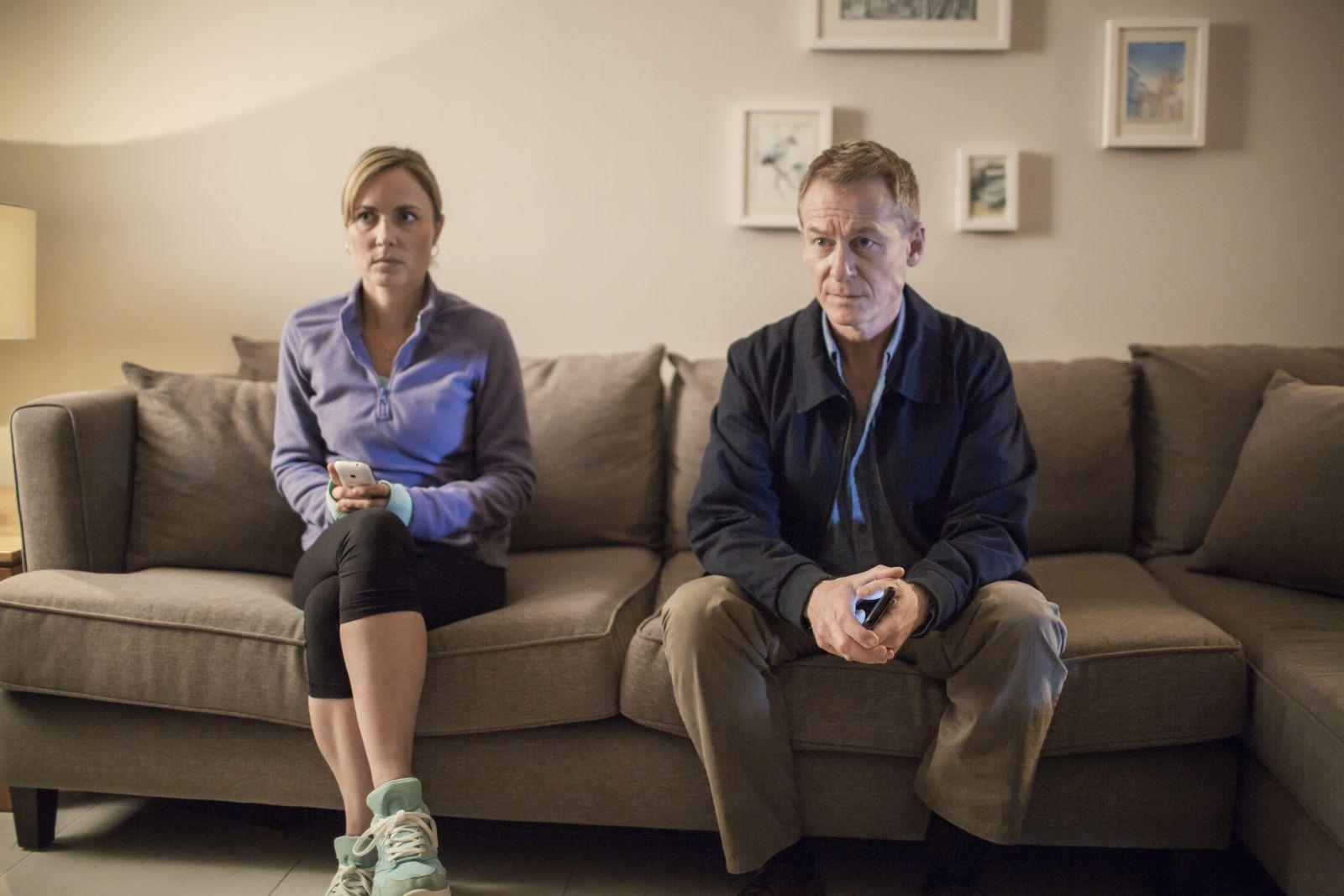 Looking for Grace: Richard Roxburgh e Radha Mitchell in un fotogramma del film