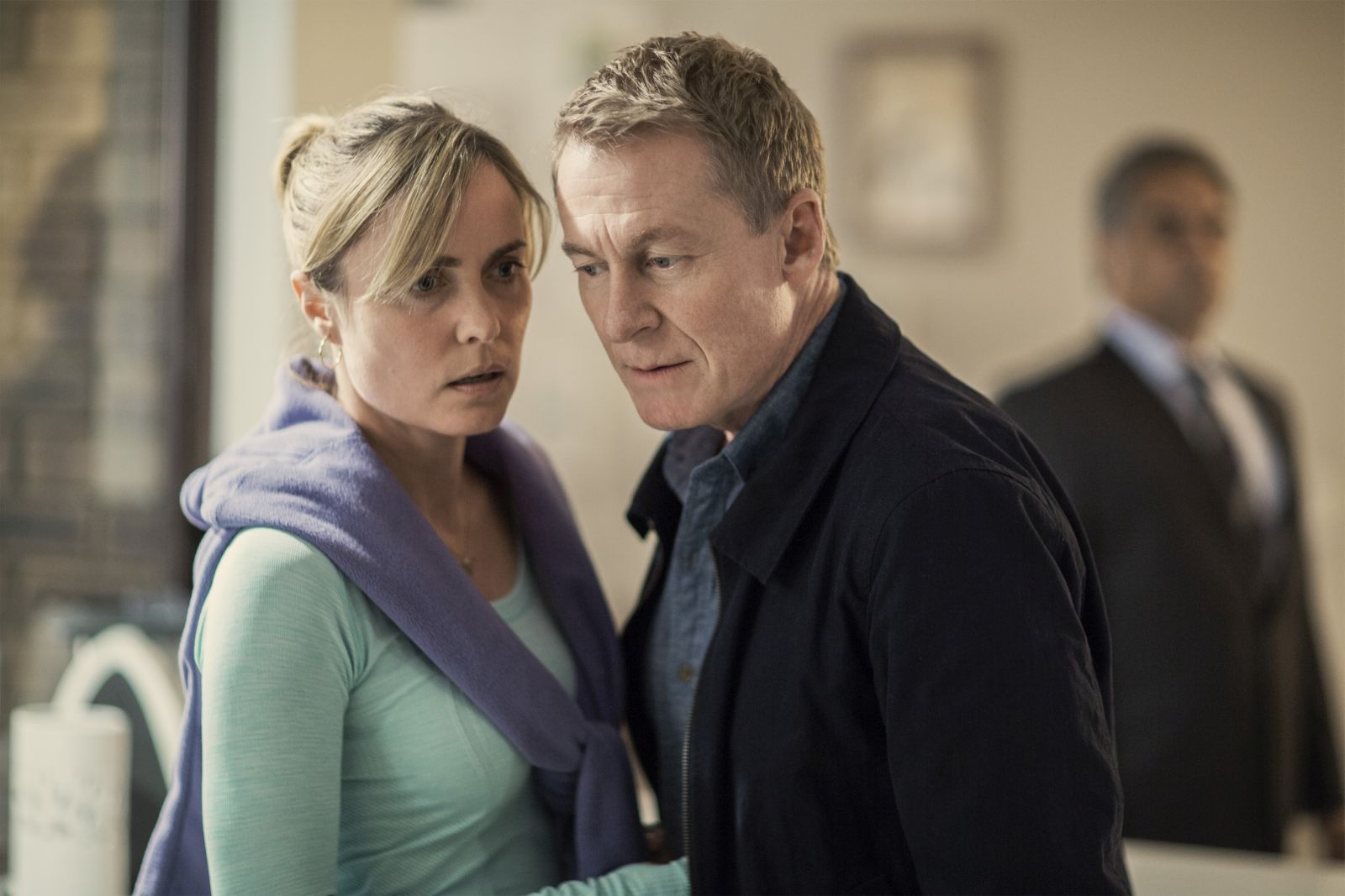 Looking for Grace: Richard Roxburgh e Radha Mitchell in una scena del film