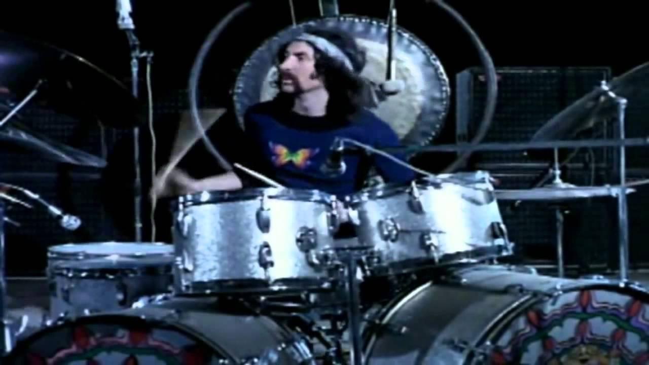 Pink Floyd: Live at Pompeii, Nick Mason in un'immagine del documentario musicale