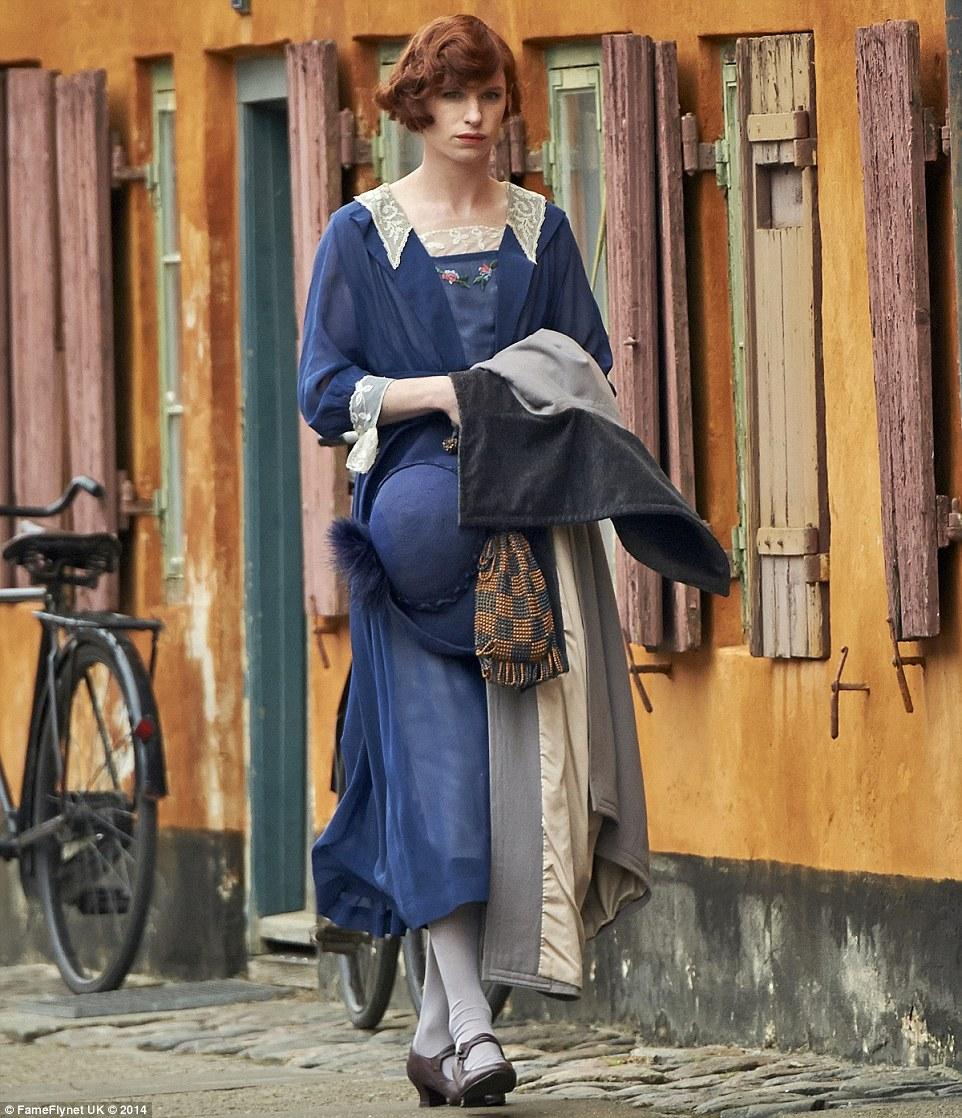 The Danish Girl: Eddie Redmayne in un'immagine tratta dal film