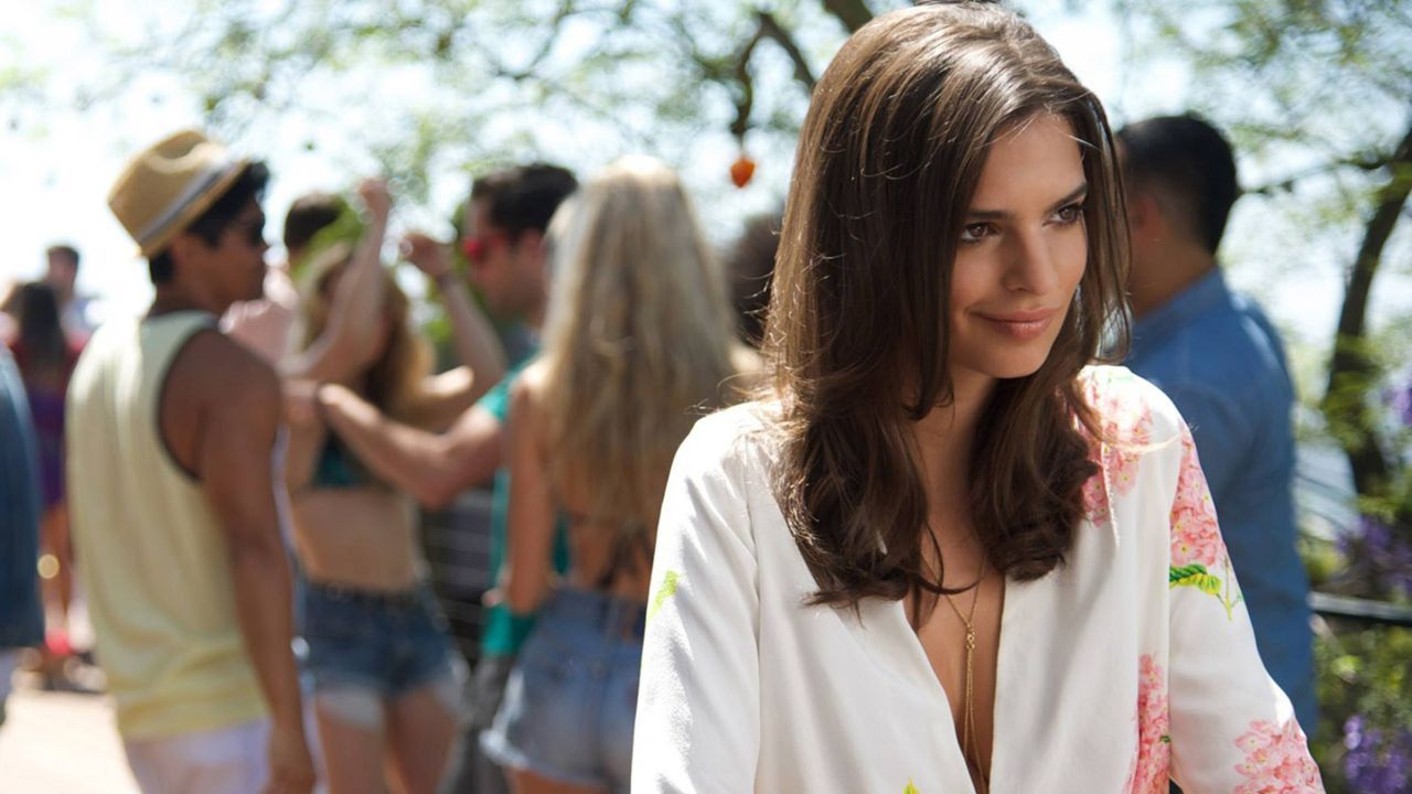 We Are Your Friends: Emily Ratajkowski in un'immagine tratta dal film