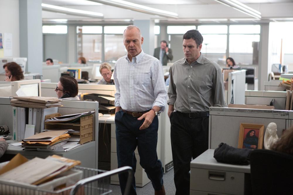 Il caso Spotlight: Michael Keaton e Mark Ruffalo in un'immagine del film