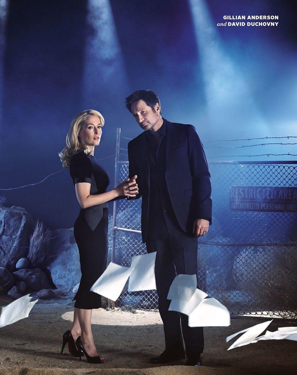 X-Files: Gillian Anderson e David Duchovny in un'immagine promozionale della nuova stagione