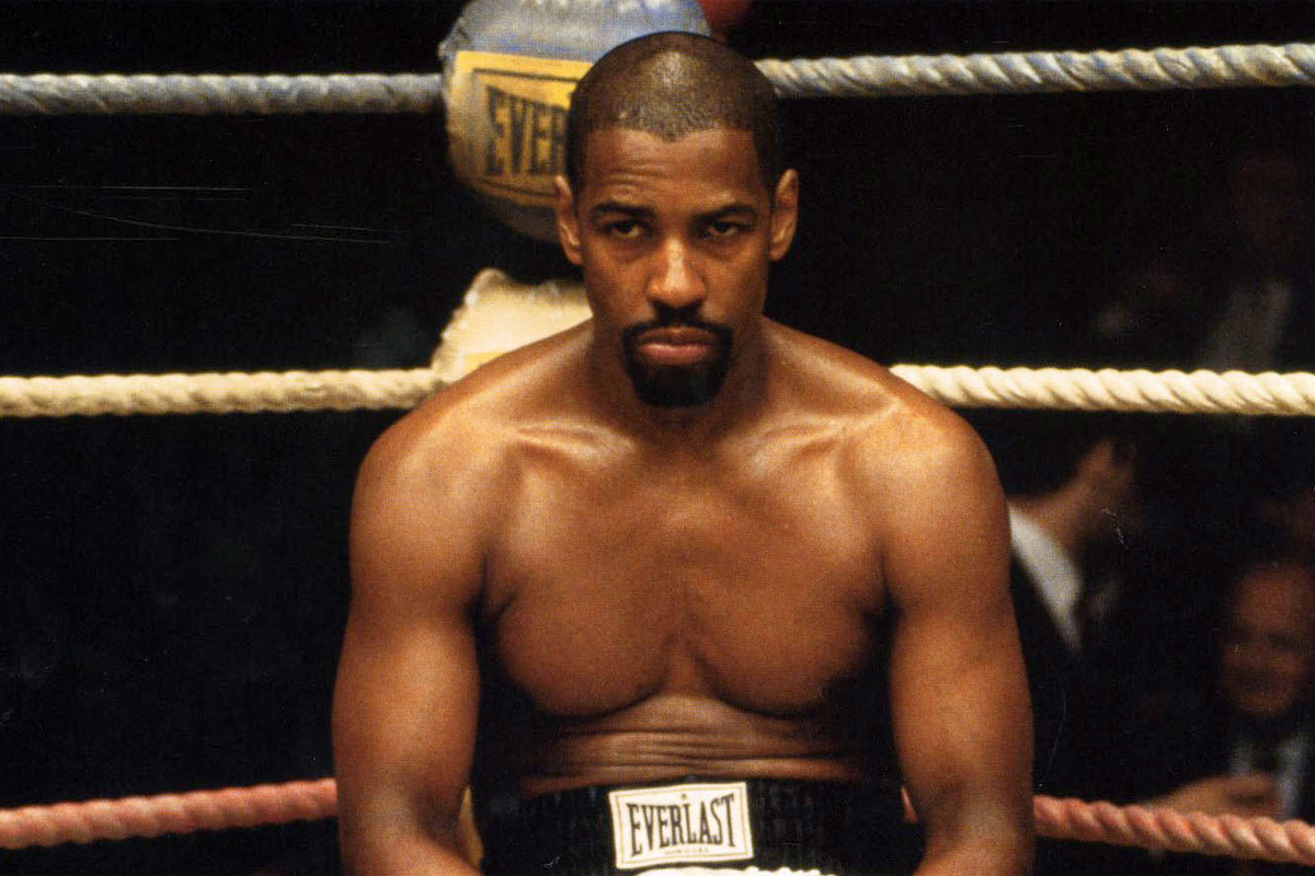 Hurricane: Denzel Washington in una scena del film