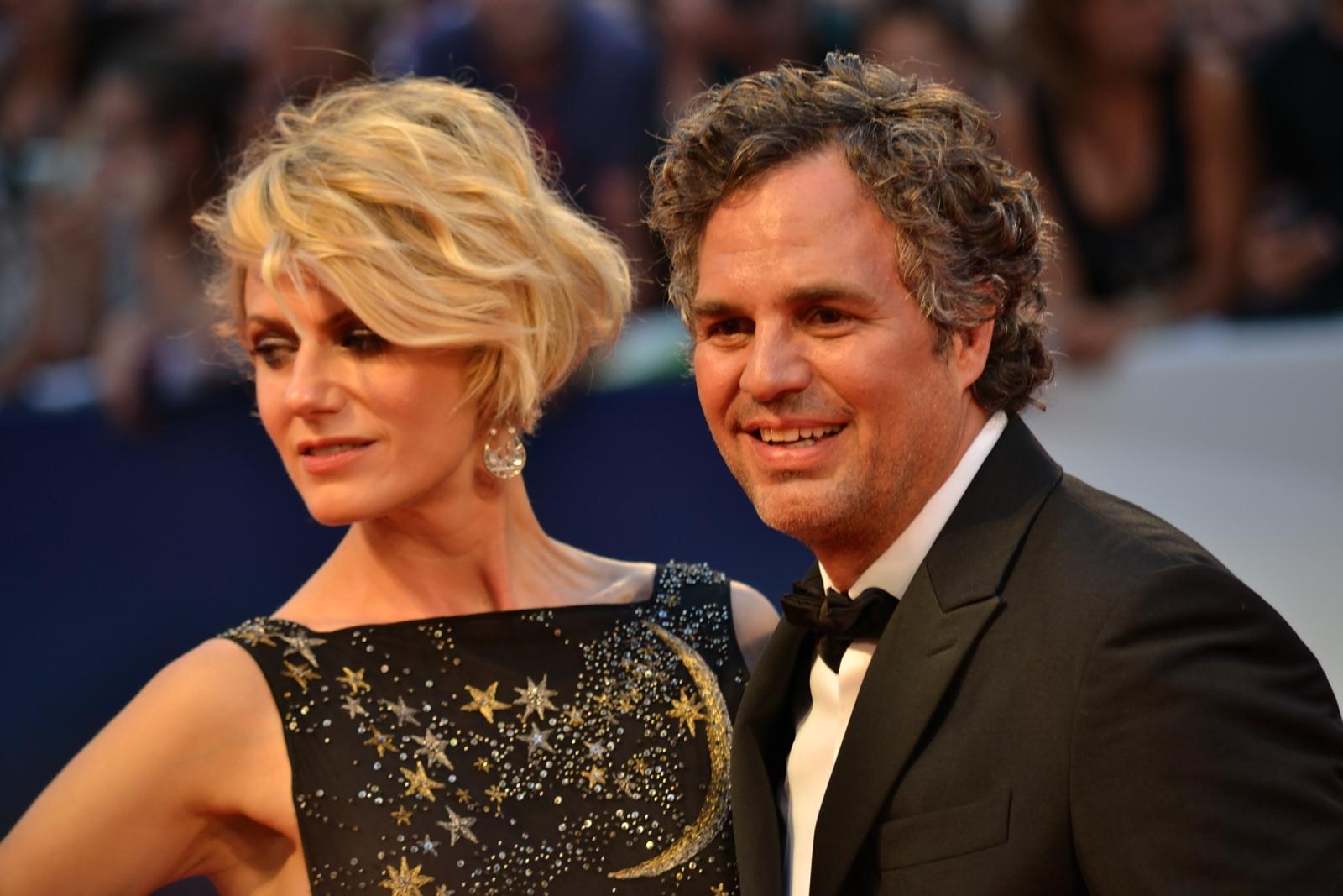 Venezia 2015: Mark Ruffalo e sua moglie sul red carpet