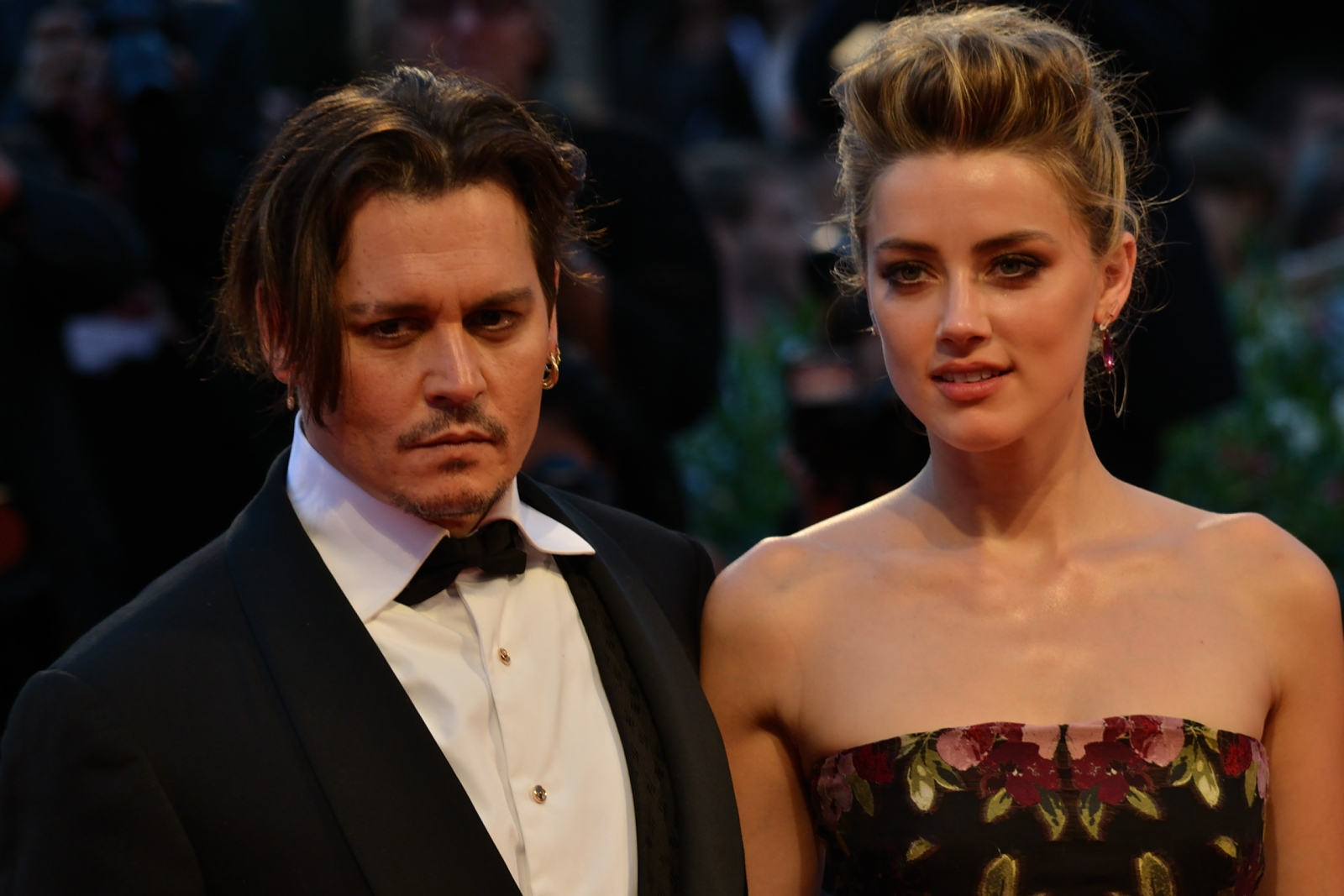 Venezia 2015: Amber Heard e Johnny Depp sul red carpet di The Danish Girl
