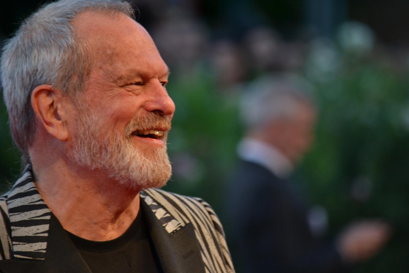 Venezia 2015: Terry Gilliam sorridente sul red carpet di A Bigger Splash