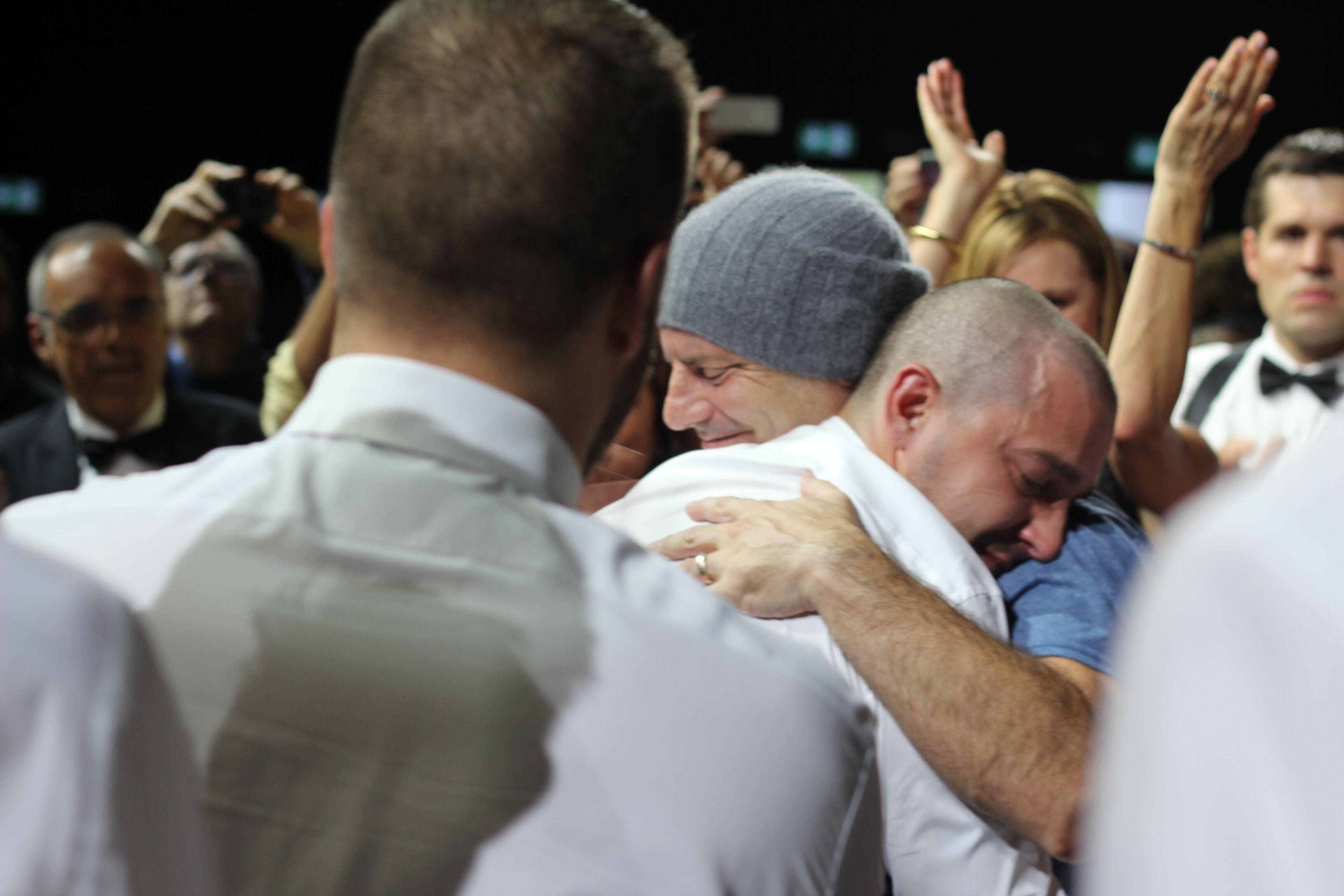 Man Down: Dito Montiel abbraccia un commosso Shia LaBeouf alla fine della proiezione di Venezia72