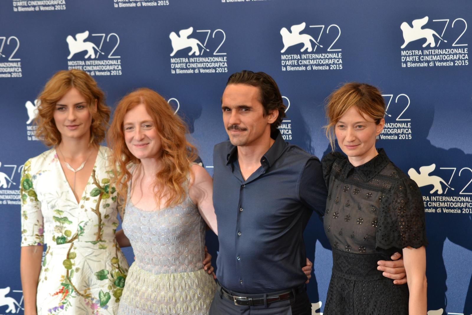 Venezia 2015: Pier Giorgio Bellocchio,Lidiya Liberman, Alba Rohrwacher in uno scatto di gruppo al photocall di Sangue del mio sangue
