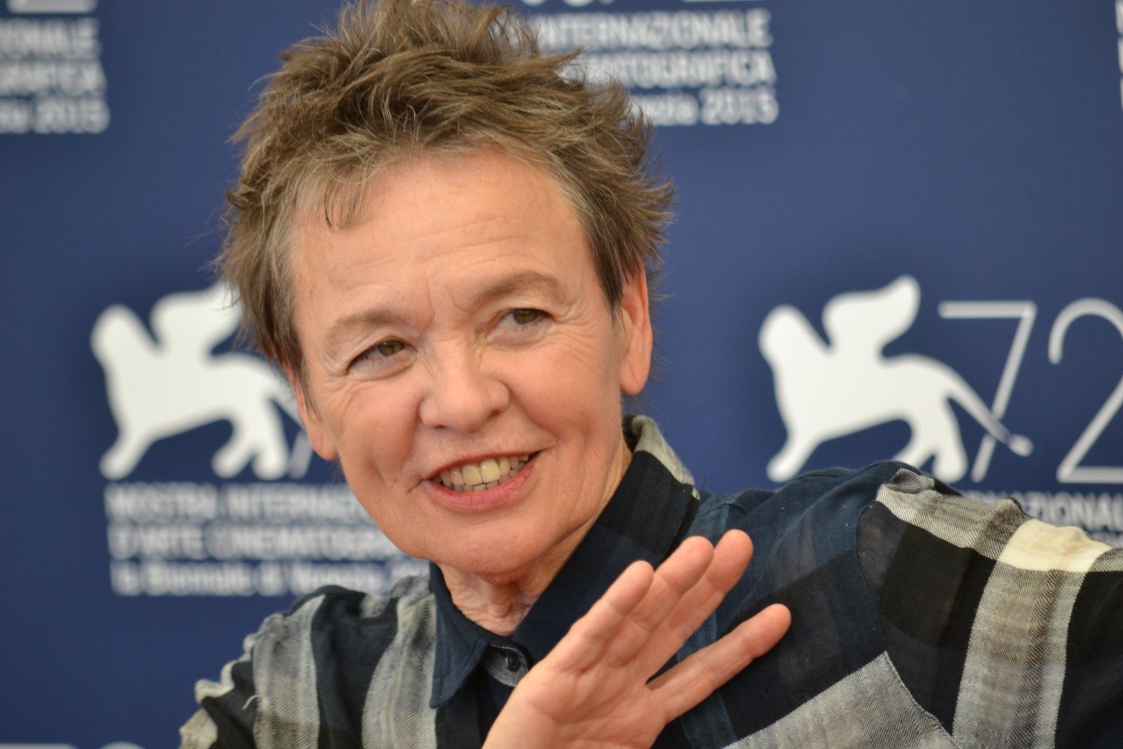 Venezia 2015: Laurie Anderson al photocall di Heart of a Dog