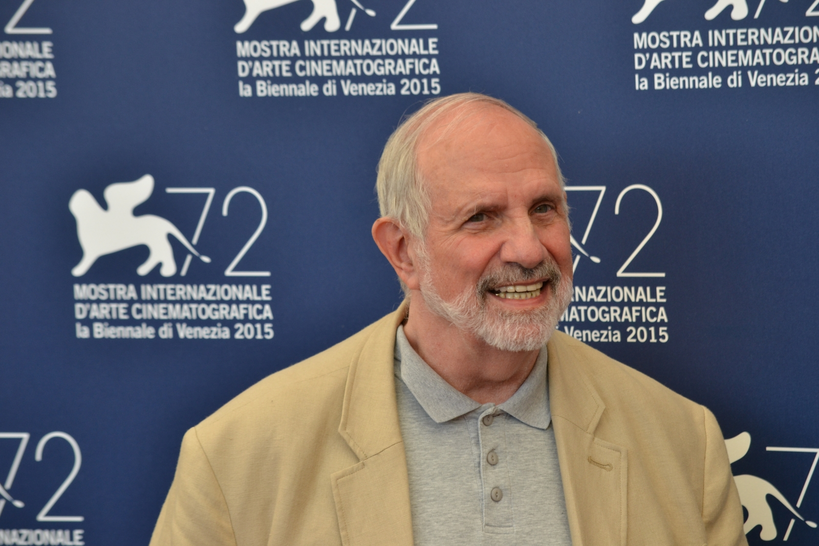 Venezia 2015: Brian De Palma sorride al photocall per lo Jaeger-LeCoultre Glory to the Filmmaker 2015 Award