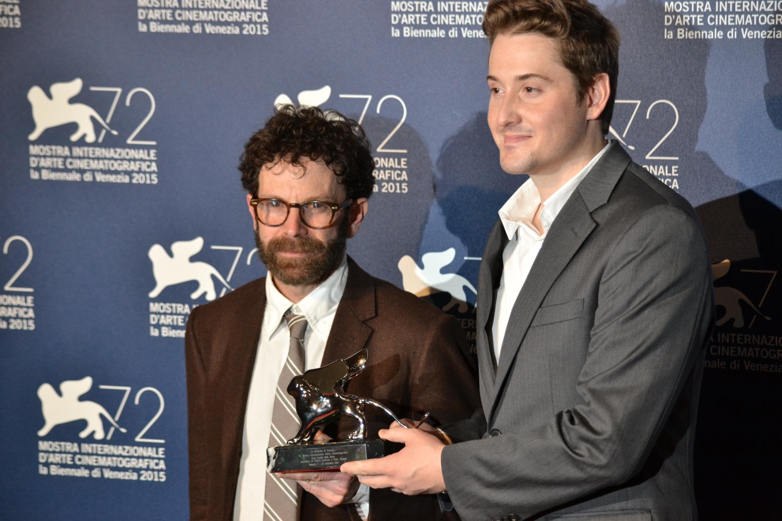 Venezia 2015: Charlie Kaufman e Duke Johnson, registi di Anomalisa al photocall dei premiati
