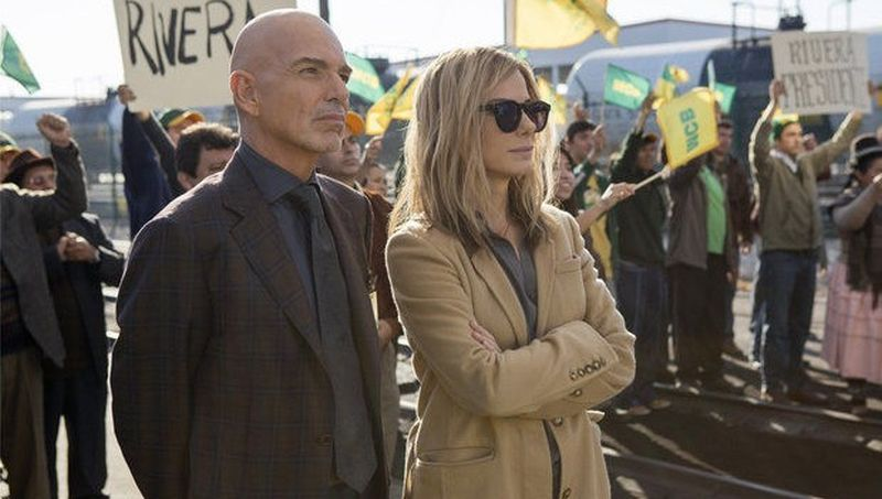 Our Brand is Crisis: Sandra Bullock e Billy Bob Thornton in una scena del film