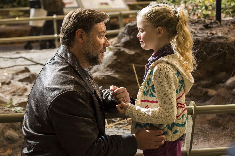 Padri e figlie: Russell Crowe e Kylie Rogers in un fotogramma tratto dal film