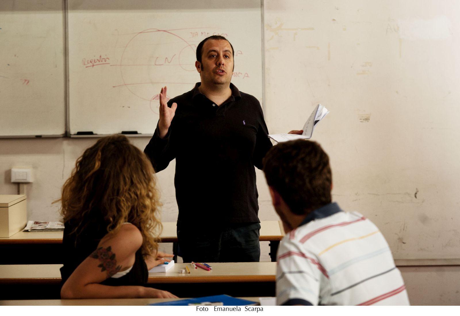 La nostra quarantena: il regista Peter Marcias al lavoro sul set del film