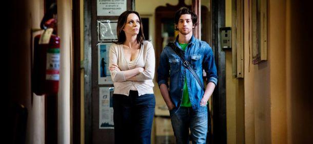 La nostra quarantena: Francesca Neri e Moisè Curia in un momento del film
