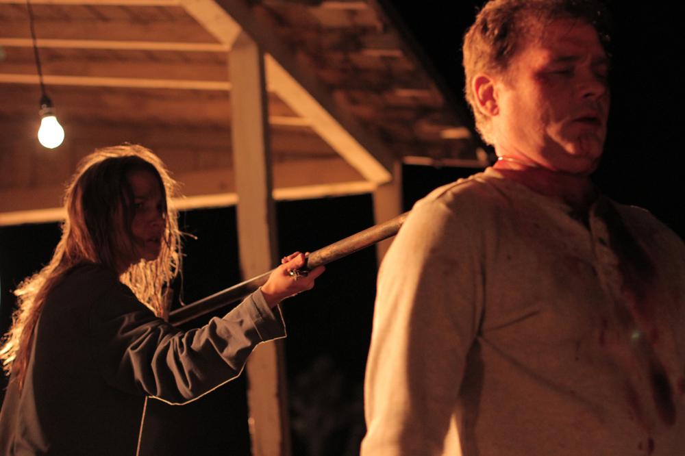 Reversal - La fuga è solo l'inizio: Tina Ivlev e Richard Tyson in una scena del film