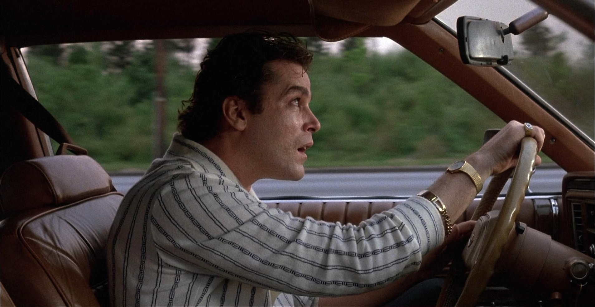 Quei bravi ragazzi: Ray Liotta in una scena del film
