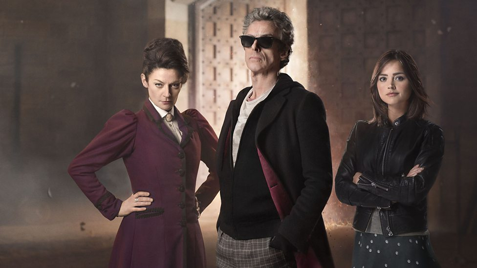 Doctor Who: Michelle Gomez, Peter Capaldi e Jenna-Louise Coleman in un'immagine promozionale dell'episodio The Magician's Apprentice
