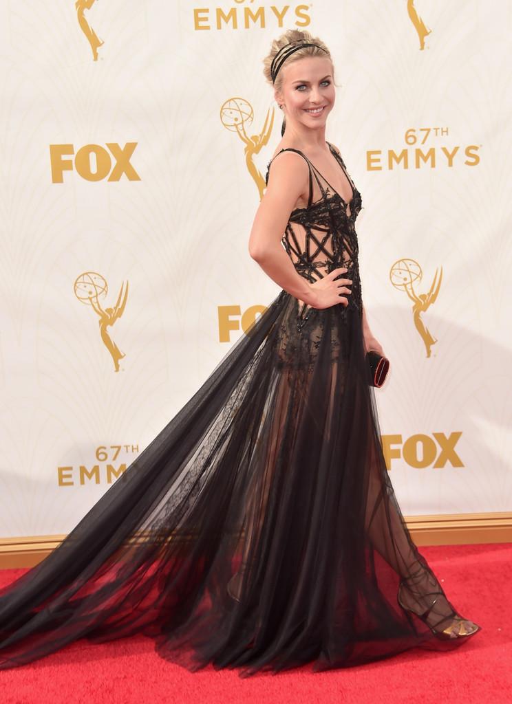 Julianne Hough sul red carpet degli Emmy 2015