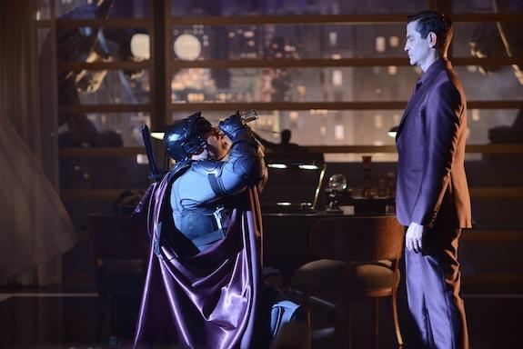 Gotham: l'attore James Frain in una foto della première, intitolata Damned If You Do