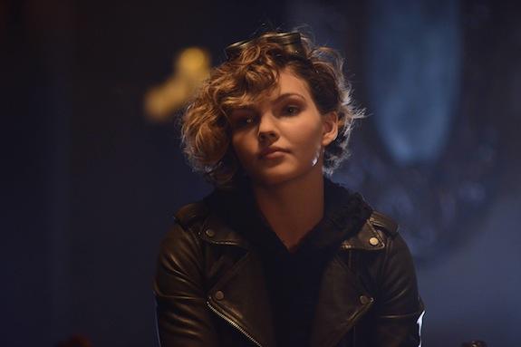 Gotham: l'attrice Camren Bicondova in una foto dell'episodio Damned If You Do