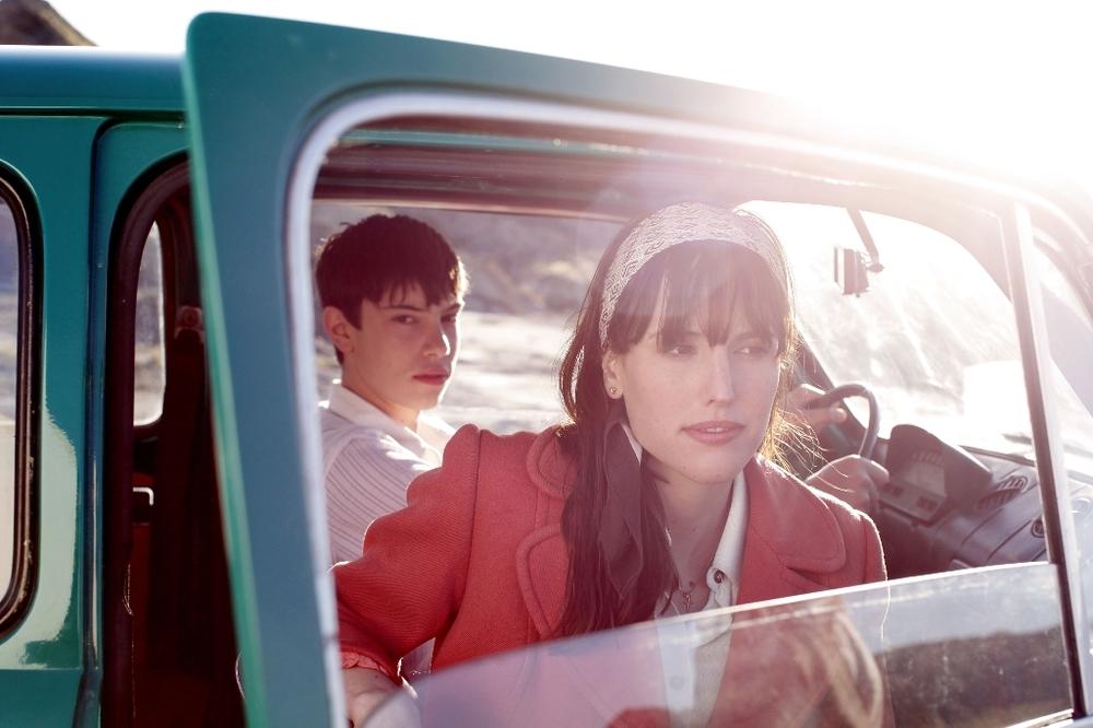 La vita è facile ad occhi chiusi: Natalia de Molina e Francesc Colomer in un'immagine tratta dal film