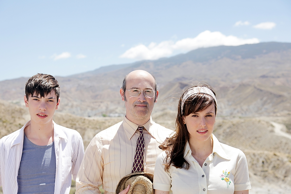 La vita è facile ad occhi chiusi: Francesc Colomer, Javier Cámara e Natalia de Molina in un'immagine promozionale del film