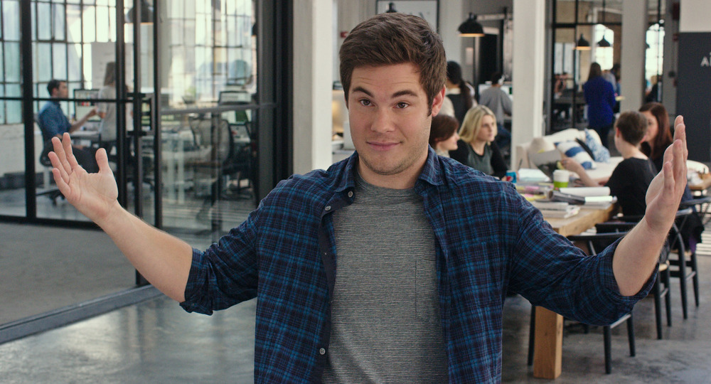 Lo stagista inaspettato: Adam DeVine in un'immagine del film