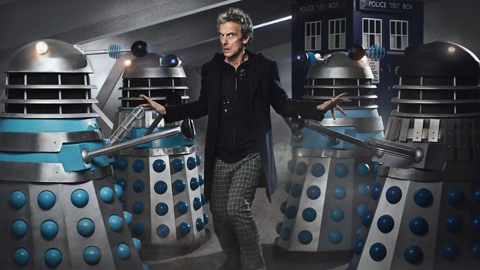 Doctor Who: la foto promozionale che ritrae Peter Capaldi, realizzata in occasione di The Witch's Familiar