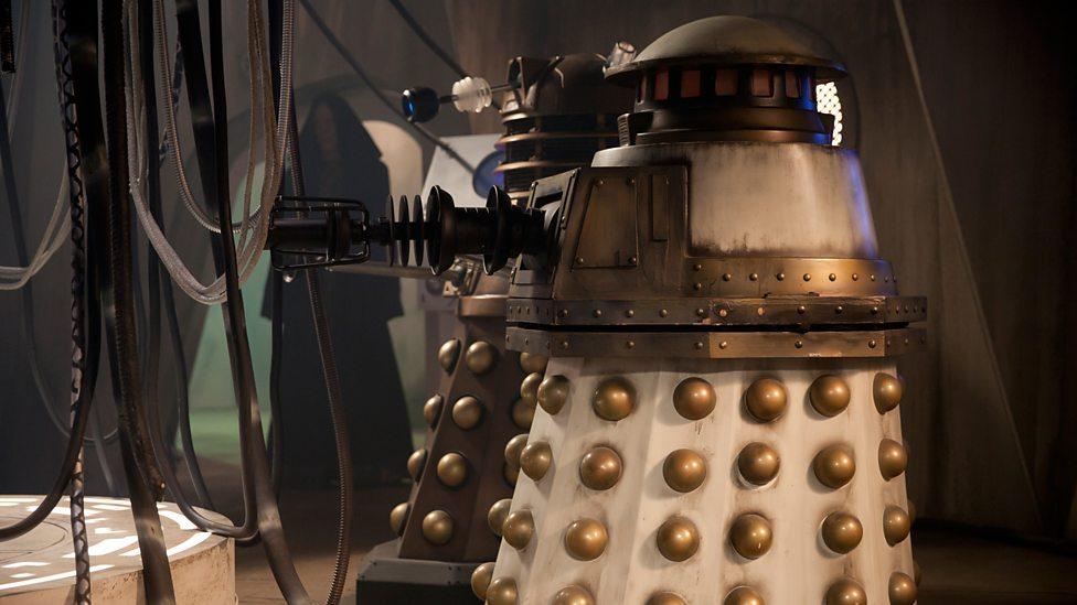 Doctor Who: i Dalek in una foto tratta da The Witch's Familiar