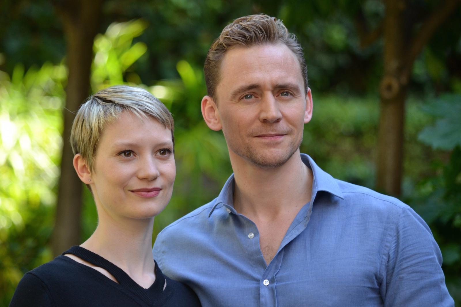 Crimson Peak: Mia Wasikowska e Tom Hiddleston al photocall