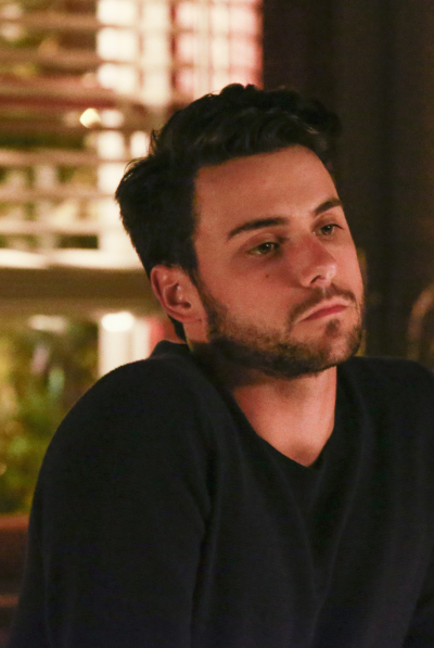 Le regole del delitto perfetto: Jack Falahee interpreta Connor in It's Time to Move On
