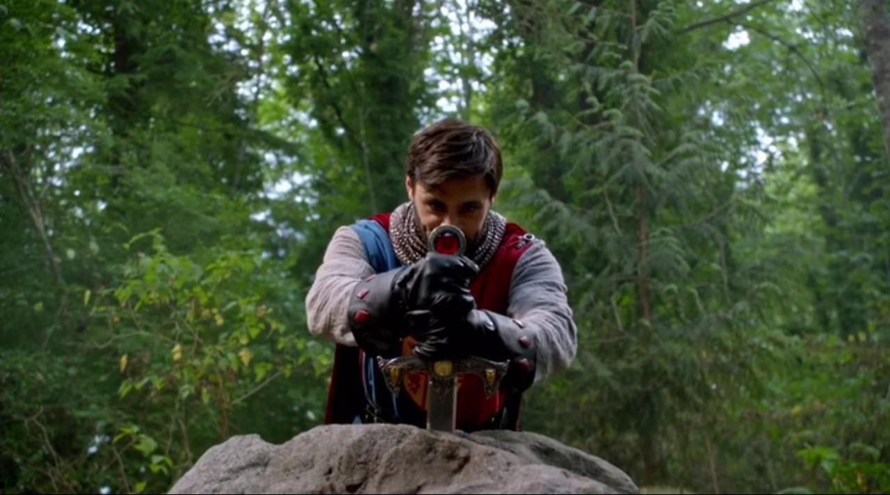 C'era una volta: l'attore Liam Garrigan è Re Artù in The Dark Swan