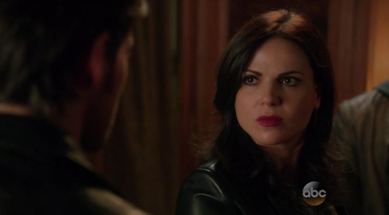 C'era una volta: l'attrice Lana Parrilla è Regina in The Dark Swan