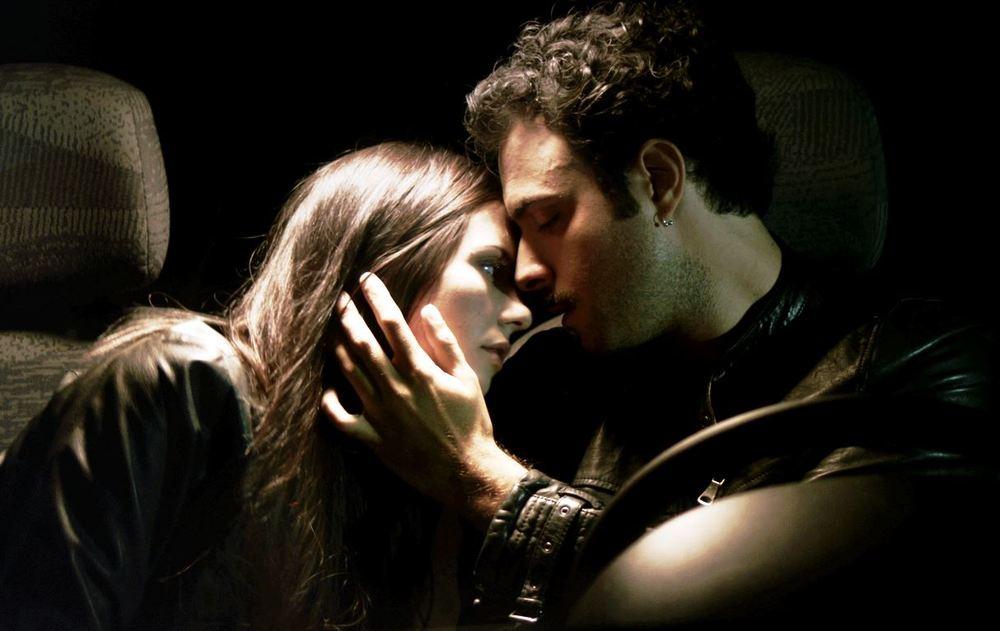 La bugia bianca: Francesca di Maggio e Alessio Vassallo in una scena del film