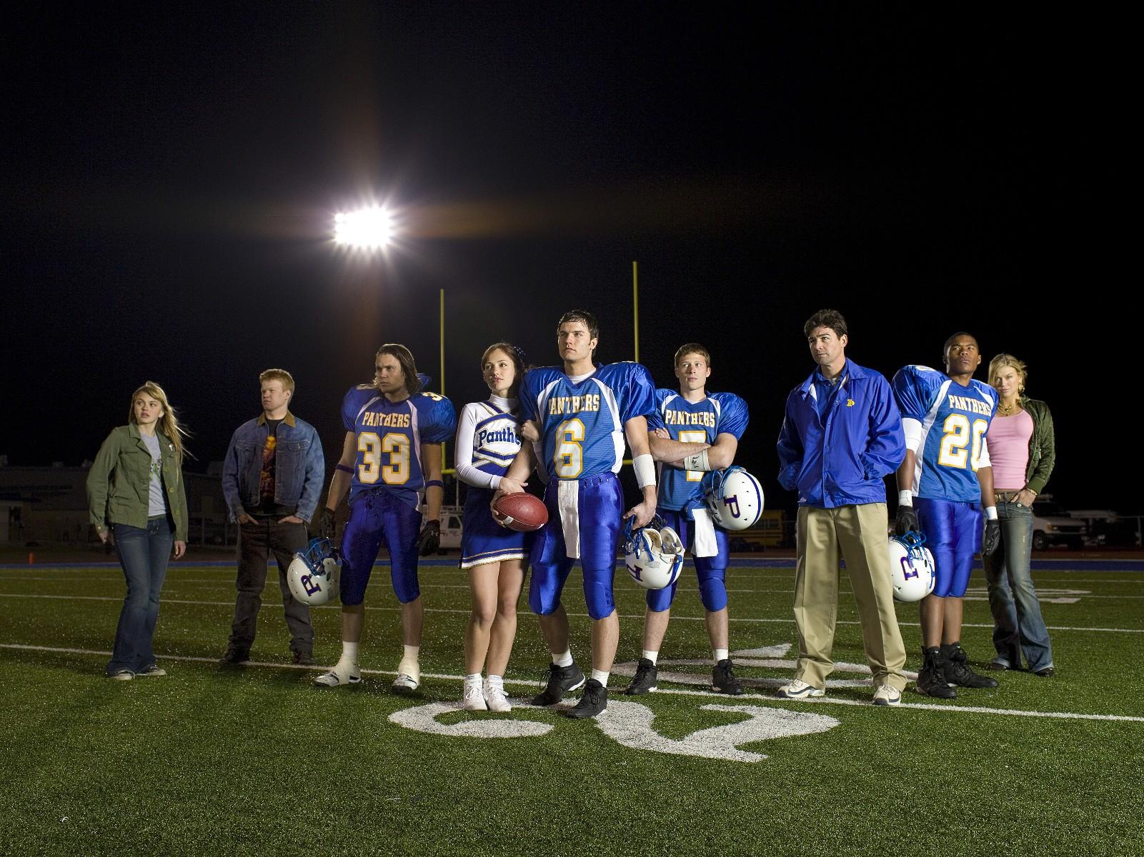 Friday Night Lights: una foto promozionale del cast