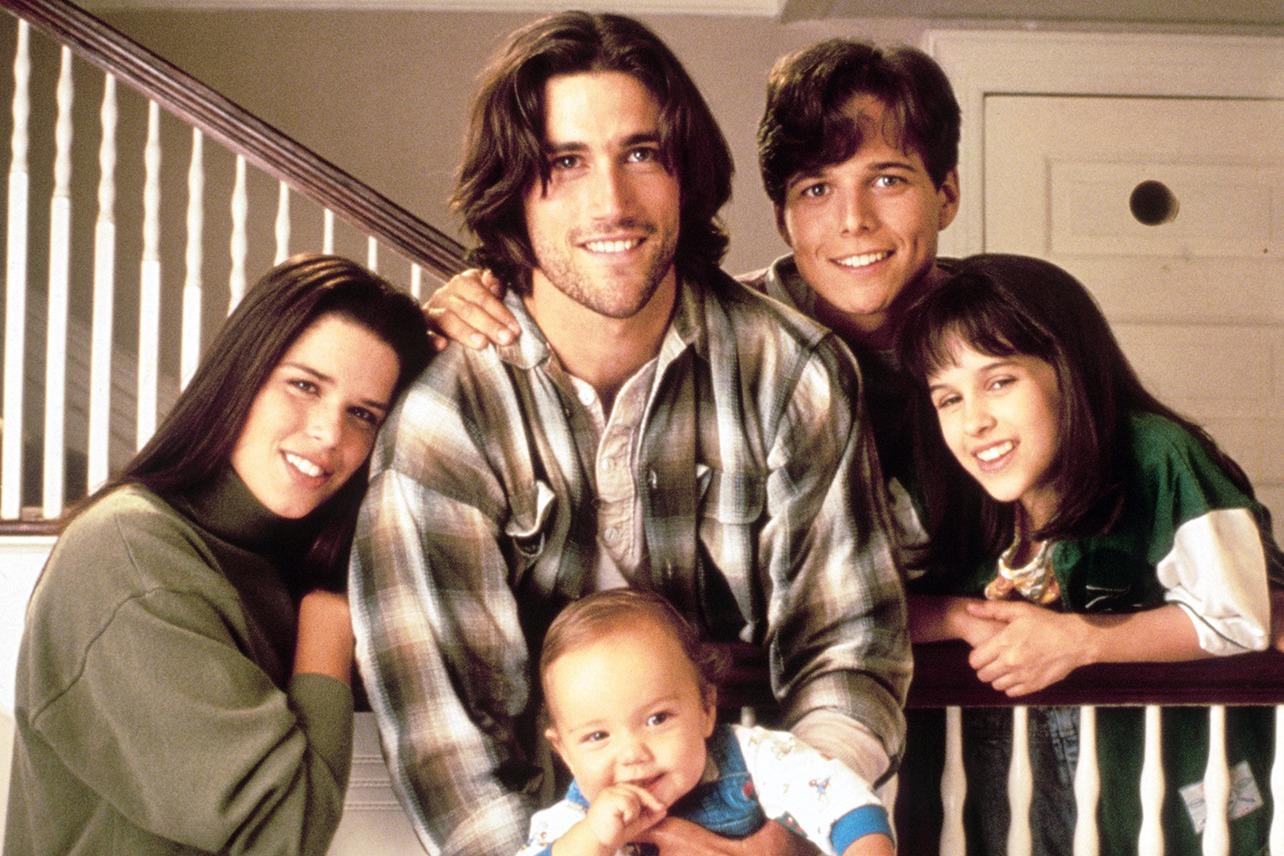 Party of Five: una foto promozionale del cast della serie