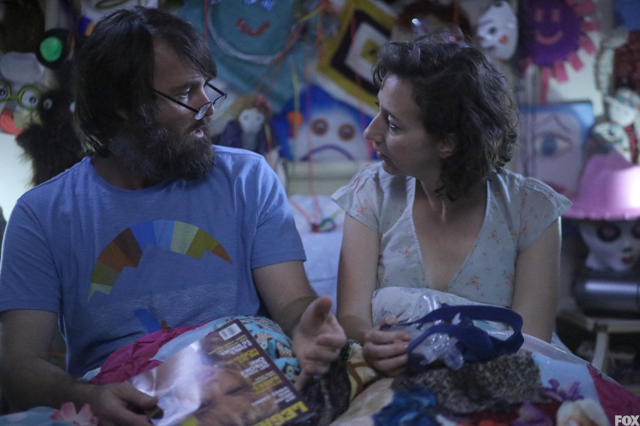 The Last Man on Earth: Will Forte e Kristen Schaal nell'episodio Is There Anybout Out There?