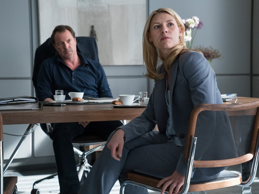 Homeland: Sebastian Koch e Claire Danes in una foto dell'episodio Separation Anxiety