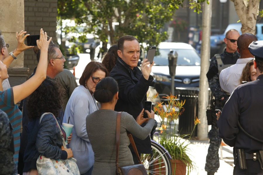 Agents of S.H.I.E.L.D.: Clark Gregg è Phil Coulson nell'episodio Laws of Nature