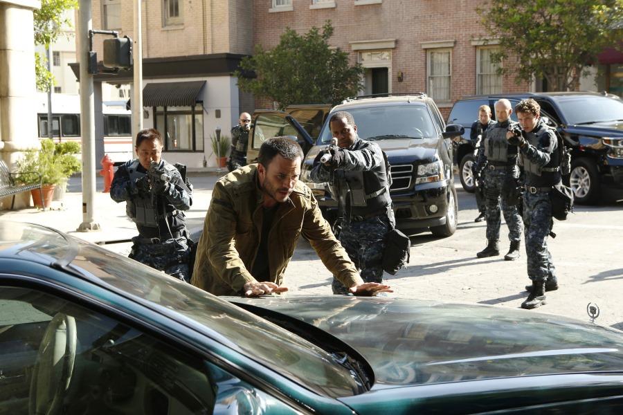 Agents of S.H.I.E.L.D.: Juan Pablo Raba in un'immagine tratta da Laws of Nature