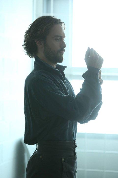 Sleepy Hollow: Tom Mison nella premiere della stagione 3