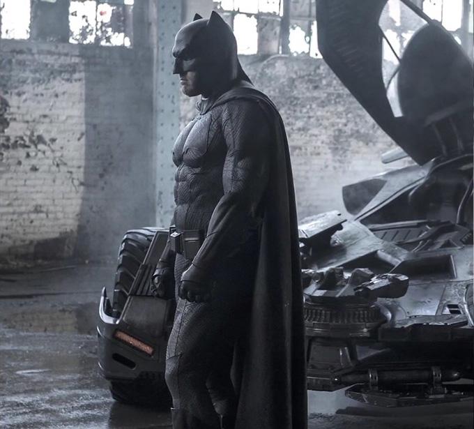 Batman v Superman: una foto di Ben Affleck nel ruolo dell'eroe